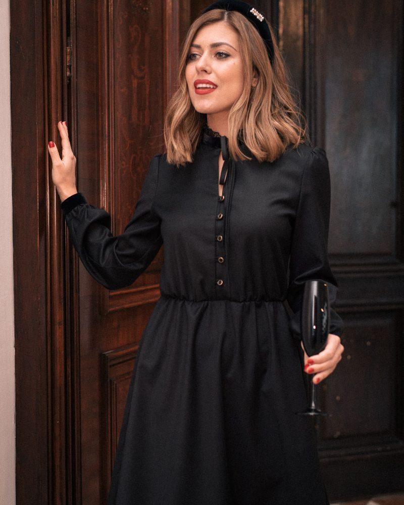 Alina dress in black