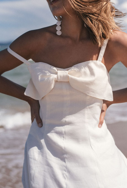 Dress details linen collection