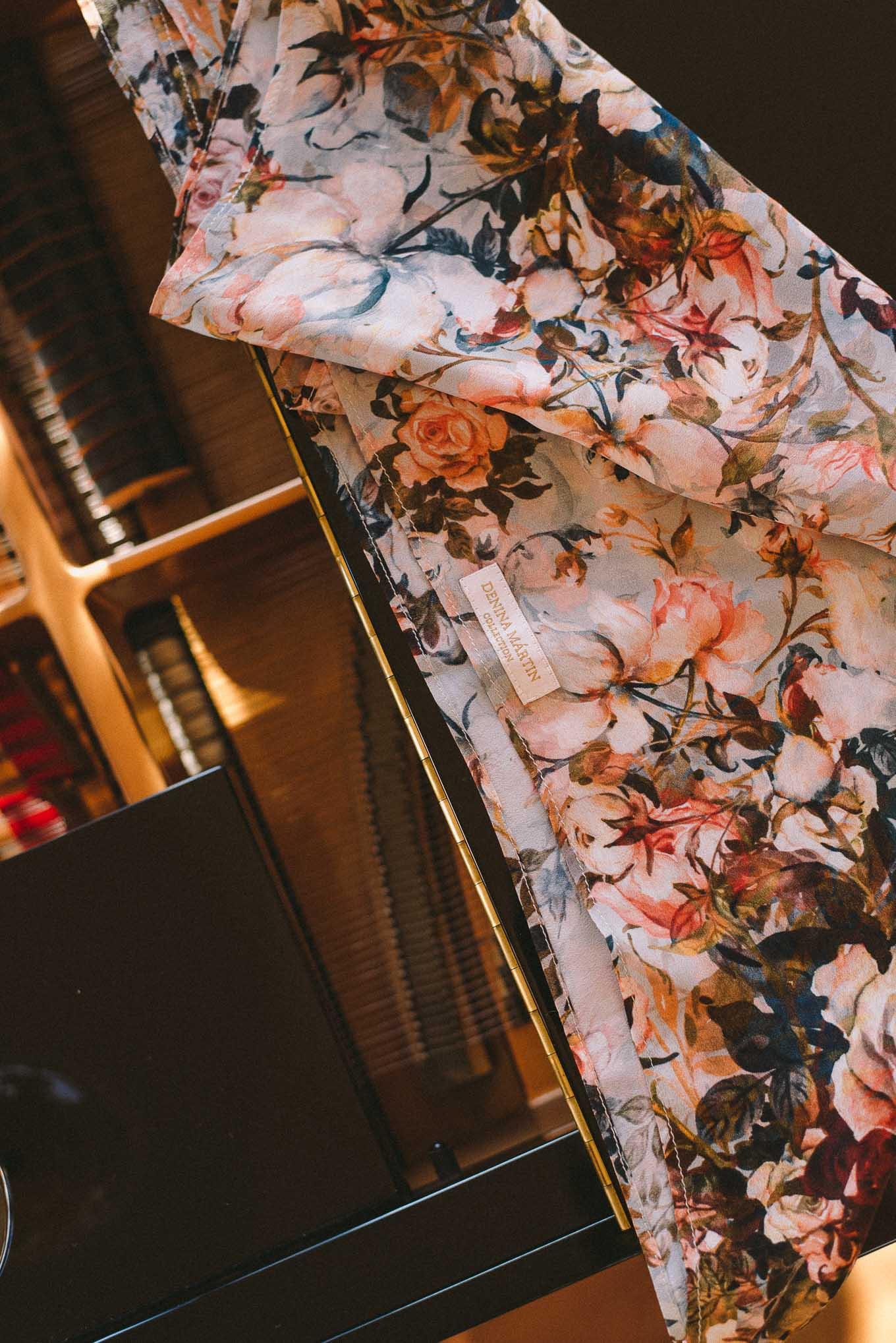 The rose scarf aw2020
