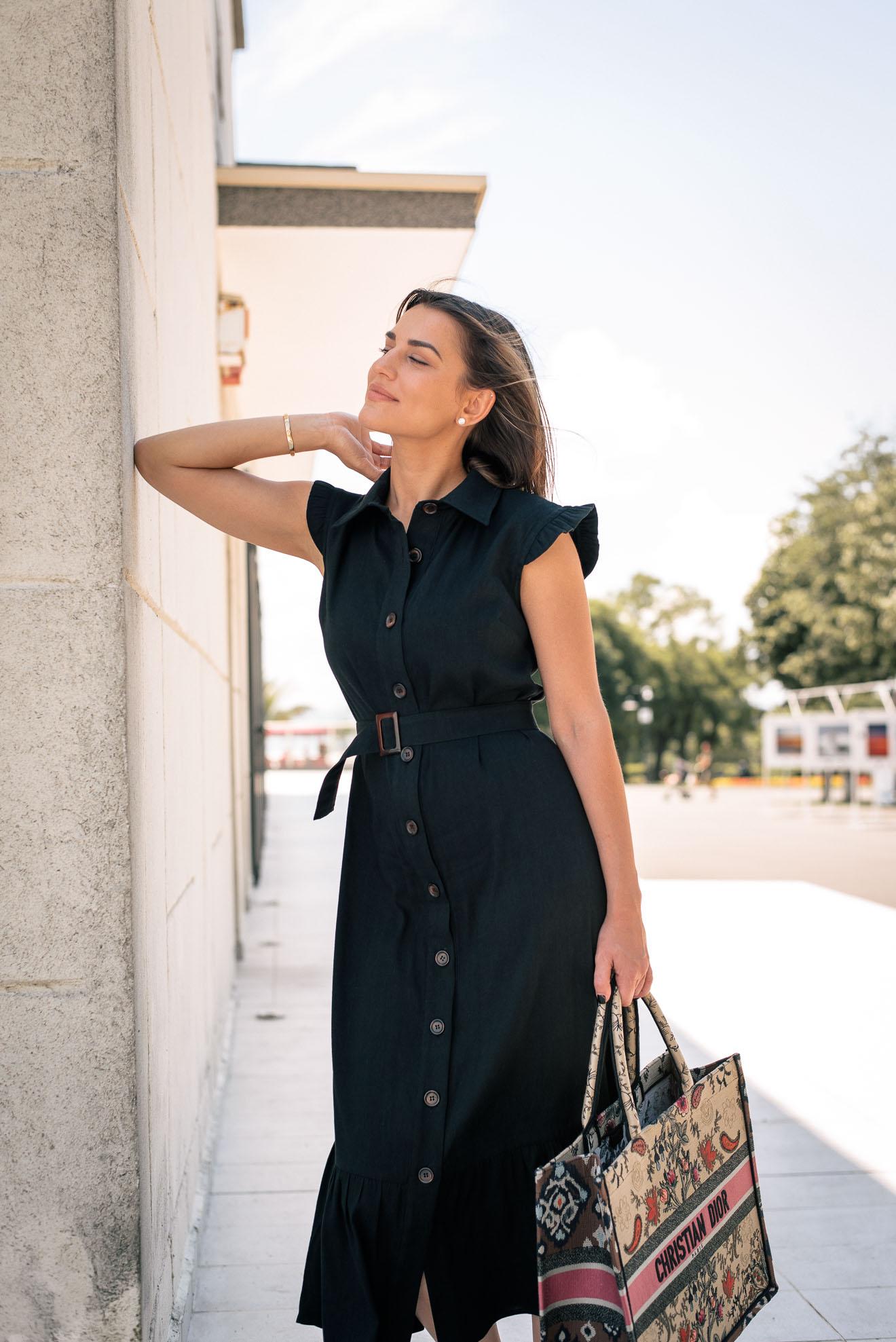 Savanna dress in black linen blend